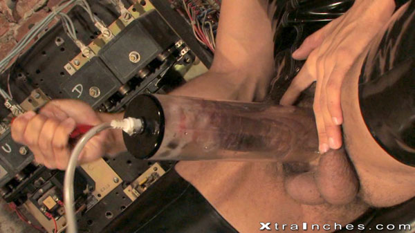 Pumping pig plays in rubber