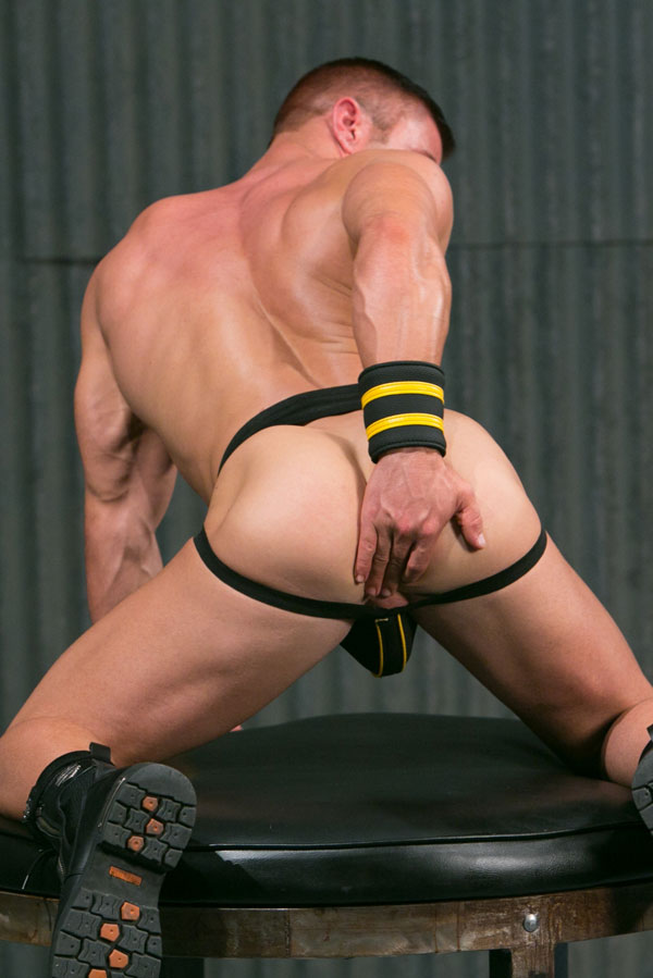 JR Bronson needs his hole stuffed