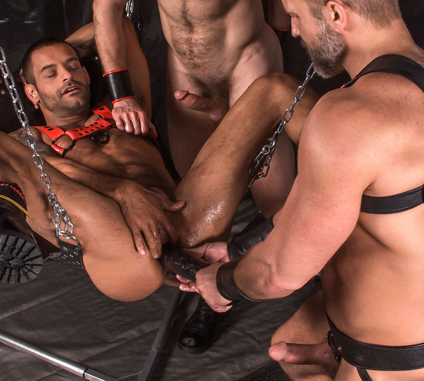 Dolan Wolf, David Benjamin and Dirk Caber get rough for Titan
